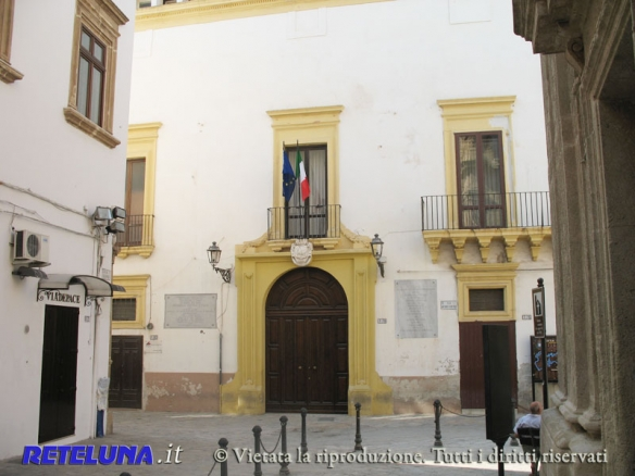 Modifiche edilizie all'istituto di piazza Carducci.